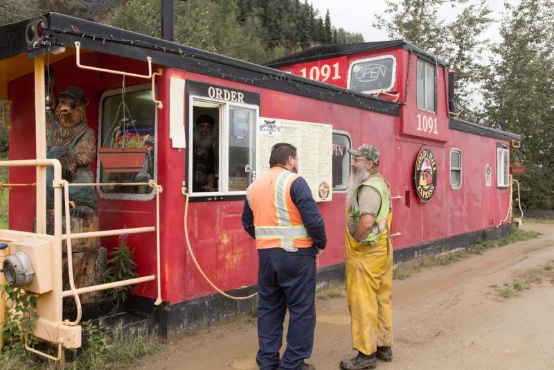 Day-07-Gold-Hill-Express-Coffee-Shop-Fairbanks-Alaska