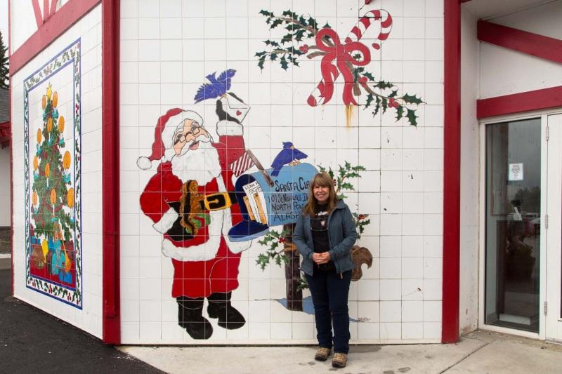 Day-09-Santa-Claus-House-North-Pole-Alaska
