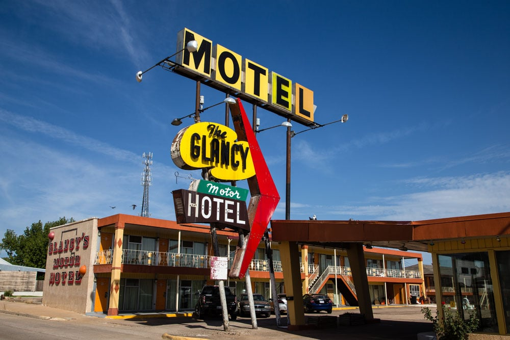 Glancy Motel, Clinton