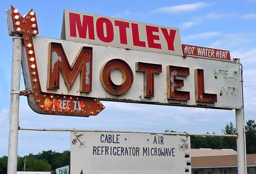 08-Motley-Motel-1024x696.jpg