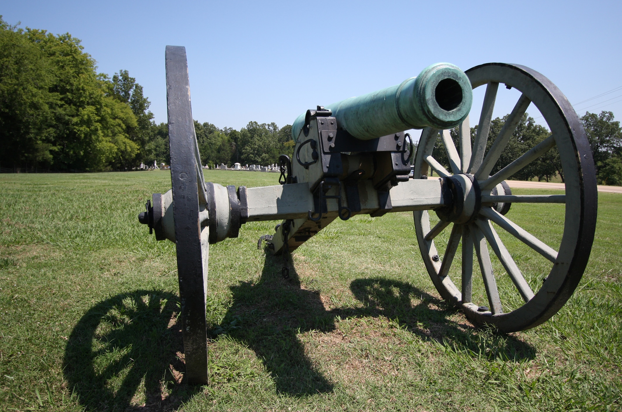 Photo of cannon at Brices Cross Roads